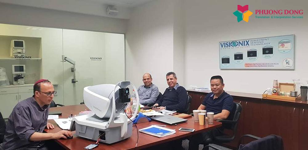 Phiên dịch tháp tùng Anh - Việt về đào đạo thiết bị Y tế ở Israel