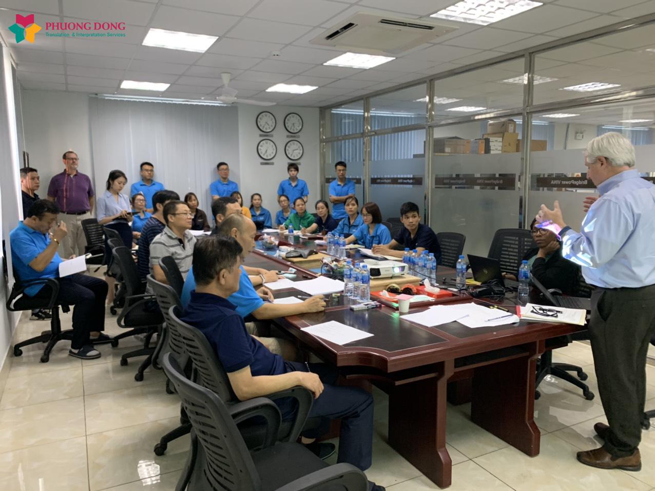 Hình ảnh một buổi thông dịch cho Bridgepower Vina do Dịch Thuật Phương Đông thực hiện.