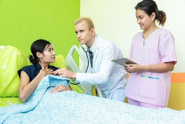 Phiên dịch khám chữa bệnh giá rẻ 2021*