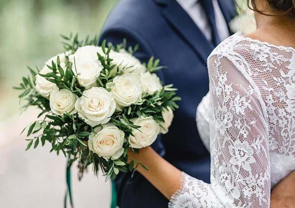 Phiên dịch tại đám cưới, lễ kỷ niệm