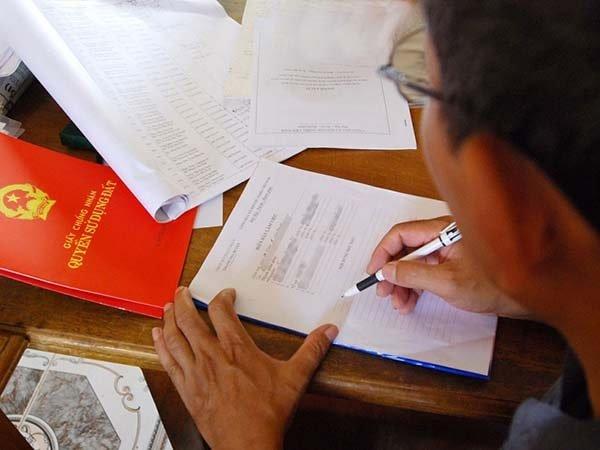 Dịch vụ phiên dịch chuyển nhượng nhà đất, ủy quyền đứng tên trong giấy chứng nhận quyền sử dụng đất